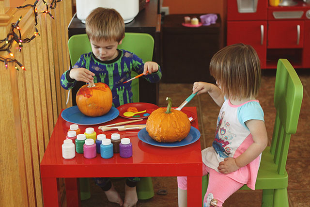PaintingPumpkins1
