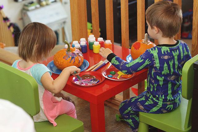 PaintingPumpkins2